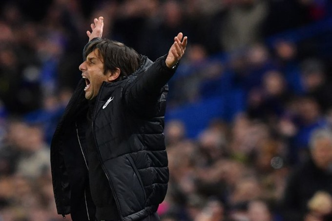 Chelsea capable of the incredible to spring Barca surprise — Conte