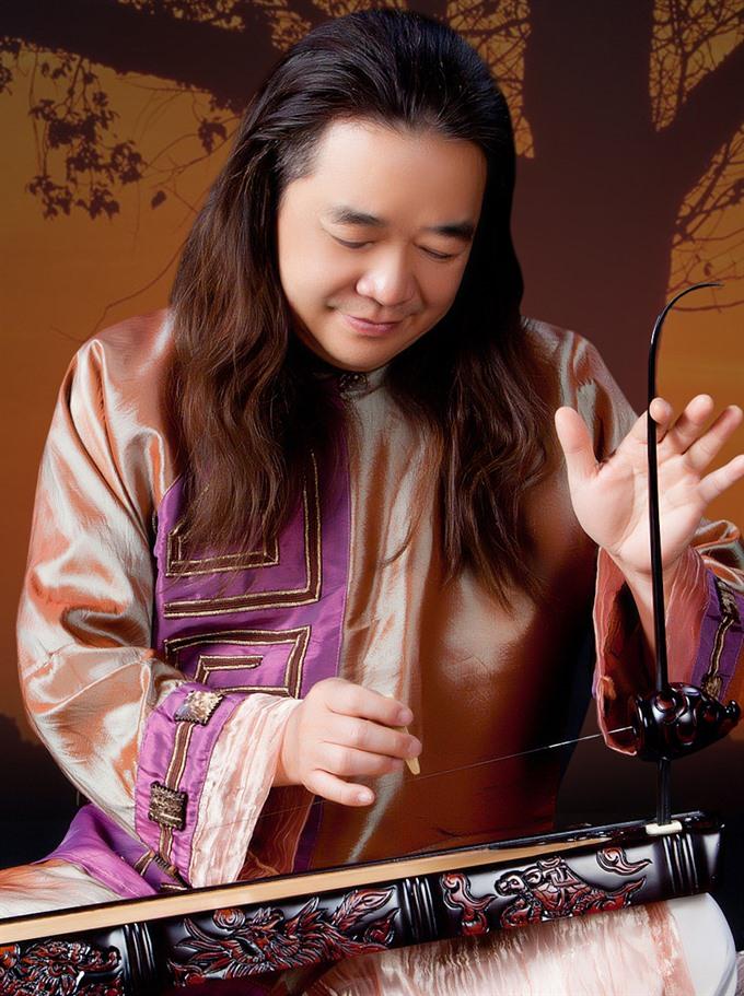 Đàn bầu master performs at Opera House