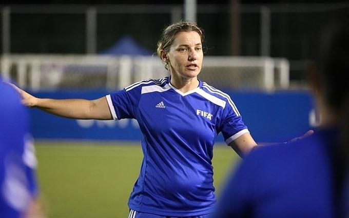FIFA expert to guide Vietnamese womens football team