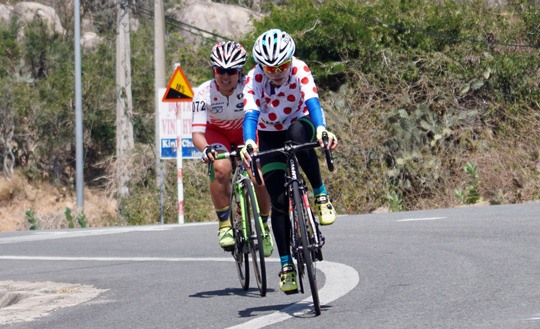 Lee wins fifth stage Mai still in lead