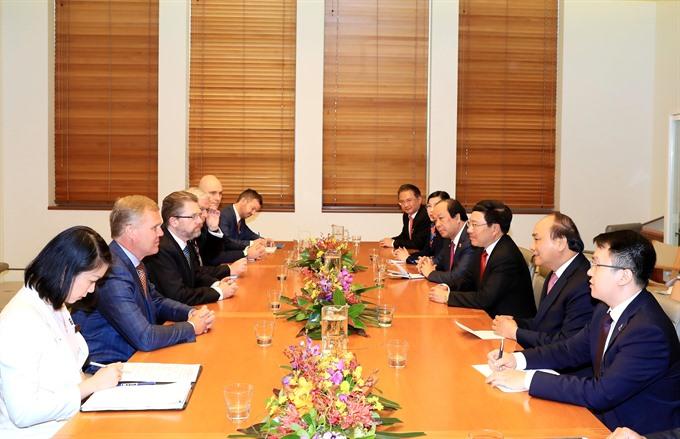 PM Nguyễn Xuân Phúc meets Senate House leaders of Australia