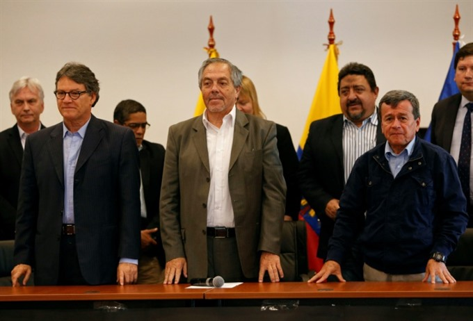 Colombia government and ELN rebels resume peace talks in Ecuador