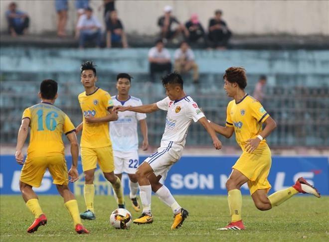 Quảng Nam defeat Thanh Hóa in V.League 1