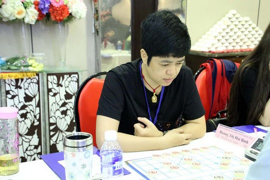 Huynh Bình win Chinese chess titles