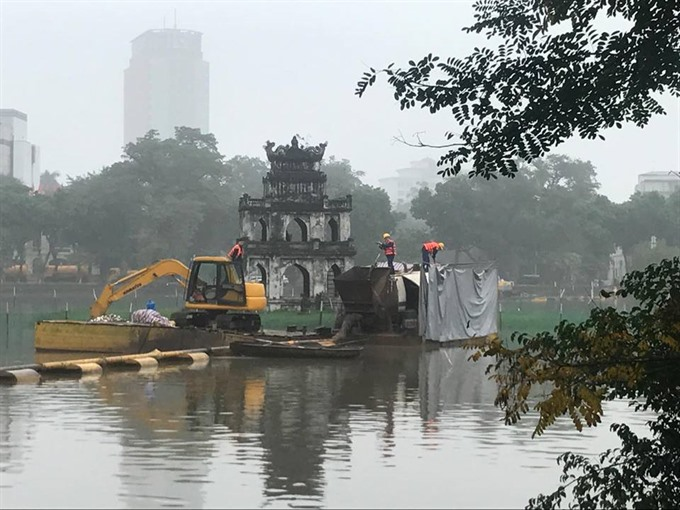 Water quality in Hà Nộis lakes improves after cleaning work