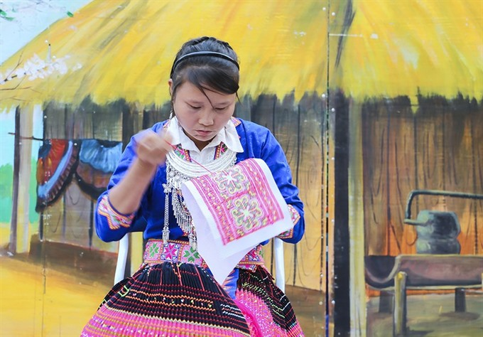 Mông patterns recognised as national intangible cultural heritage