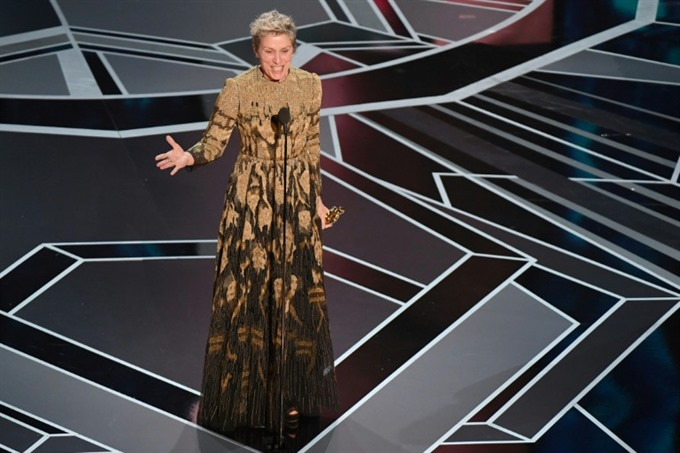 Frances McDormands Oscar briefly stolen; viewing figures slump