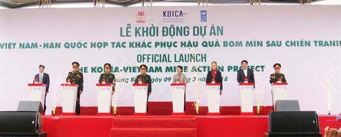 Vietnam-S Korea mine cleanup launched