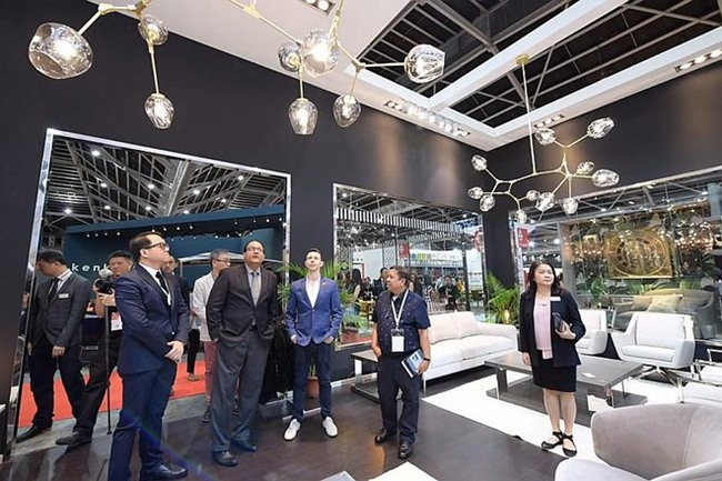 Vietnamese firms join international furniture fair in Singapore