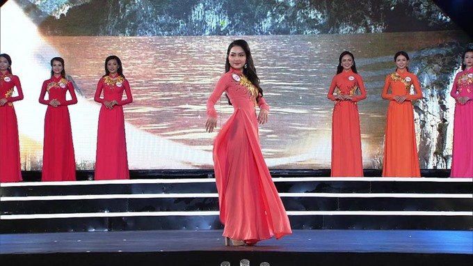 Áo dài modelling contest to open in Europe