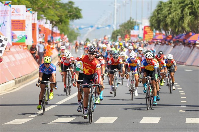 Nhân pockets first win in cycling race