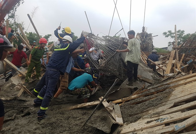 11 hospitalised in scaffolding collapse in Huế