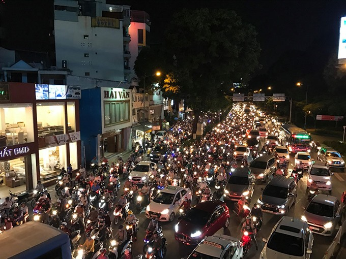 All roads leading to HCM City airport gridlocked ahead of long holiday