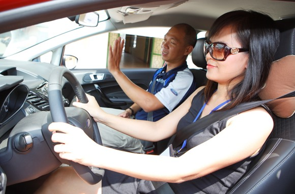 Driving schools at fault for easy driving tests
