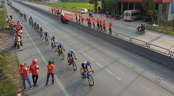 Hometown cyclists shine at HCM City cycling event