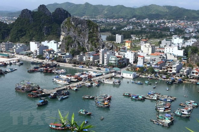 Vân Đồn proposes projects suspension pending master plan