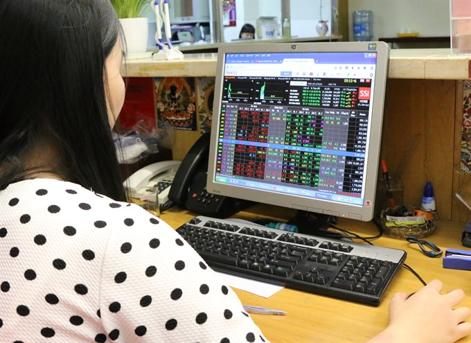 VN-Index hits 1200 points on cash flow