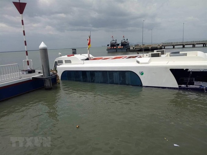 Marine forces rescue sinking boat all passengers safe