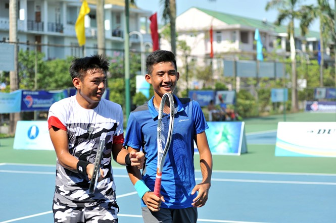 Nam and Phương enter semi-finals of VN F2 Futures