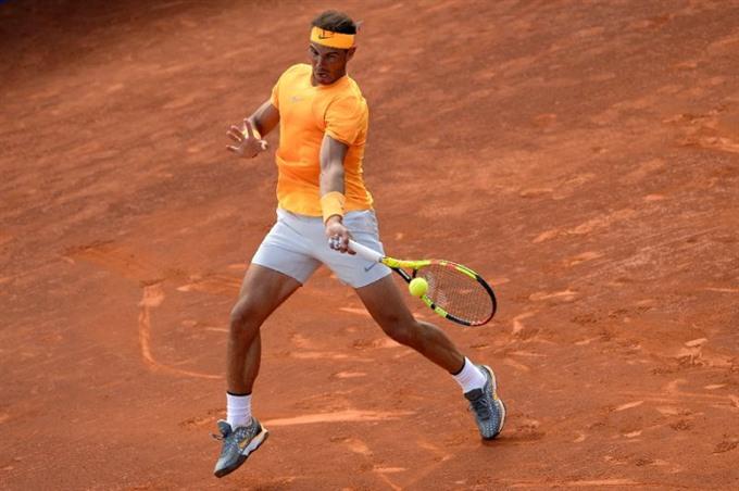 Nadal breaks McEnroe record in Madrid but Del Potro Sharapova Halep beaten