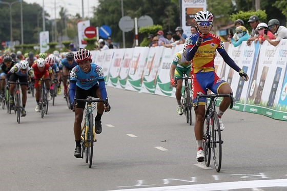 Thái wins first stage in cycling tournament