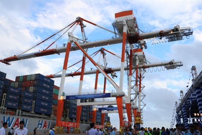 Lạch Huyện intl port opens in Hải Phòng