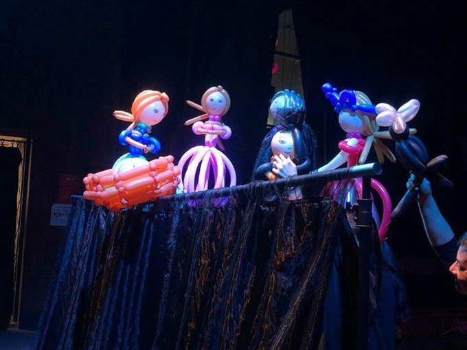 Balloon puppet popularity reaches new heights