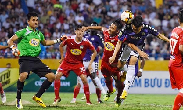 Decisive goal puts Hà Nội FC in semis