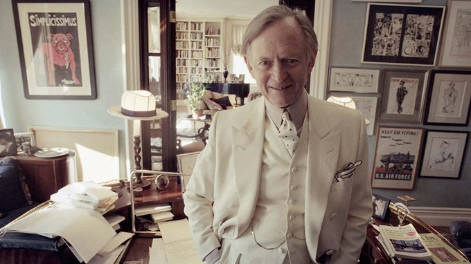 Tom Wolfe author of The Right Stuff dies at 88
