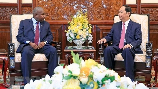 President hosts UAE Mozambican RoK Ambassadors