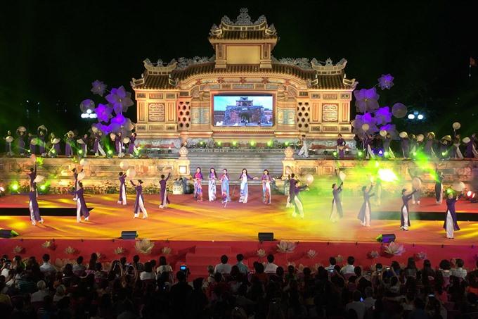 Huế Festival 2018 presents áo dài show