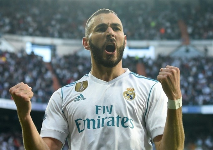 Benzema double strike sends Real into Champions League final