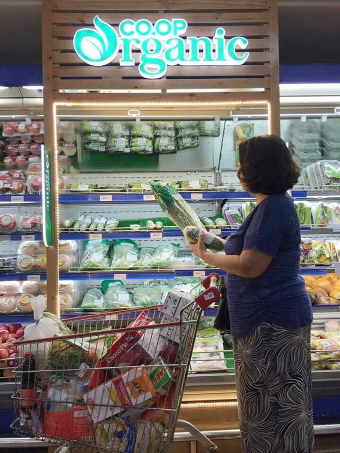 Retailers keen to expand supply of organic foods