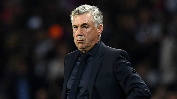 Ancelotti replaces Sarri with promise to end Napolis 28-year title wait