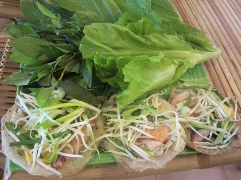 Specialty of Nha Trang: Squid Pancake