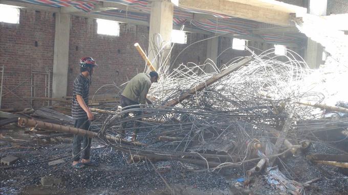 Construction accident kills 1 injures 1