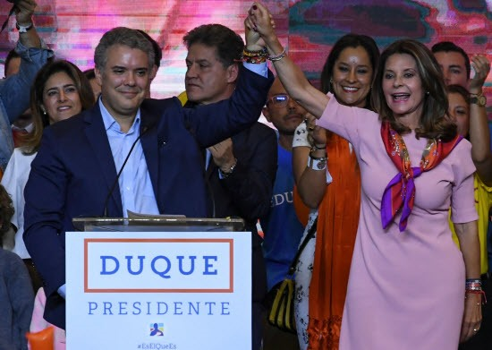 Anti-FARC conservative wins in Colombia faces leftist in runoff