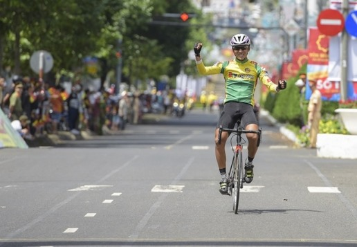 Đại wins stage Javier secures yellow jersey