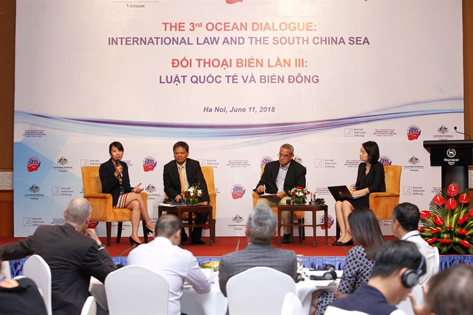 Abiding to international law key to settle South China Sea issue