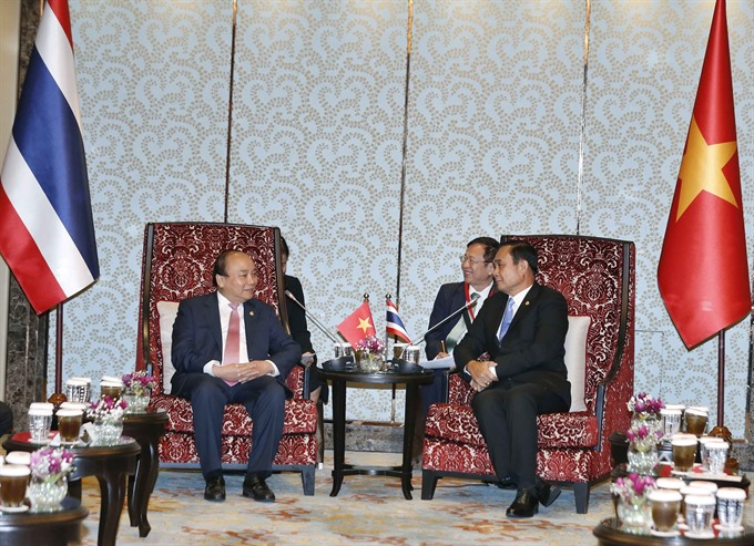 PM Phúc meets Thai counterpart on sidelines of ACMECS 8