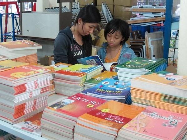 PM pushes textbook curriculum reform
