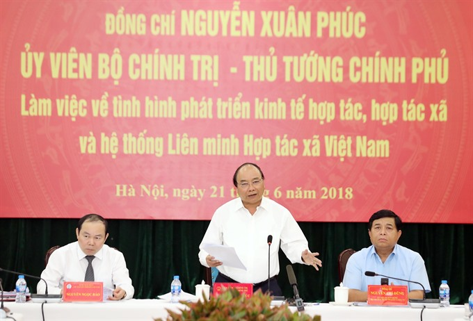PM puts his weight behind agricultural cooperatives