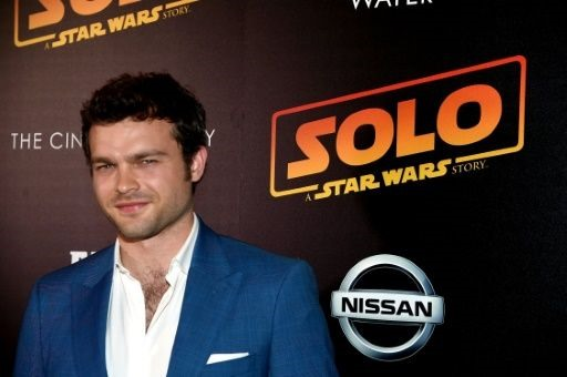 'Solo stays aloft but loses altitude in North American theaters