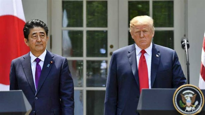 Trump says 'all ready for Kim summit as he hosts Japan PM