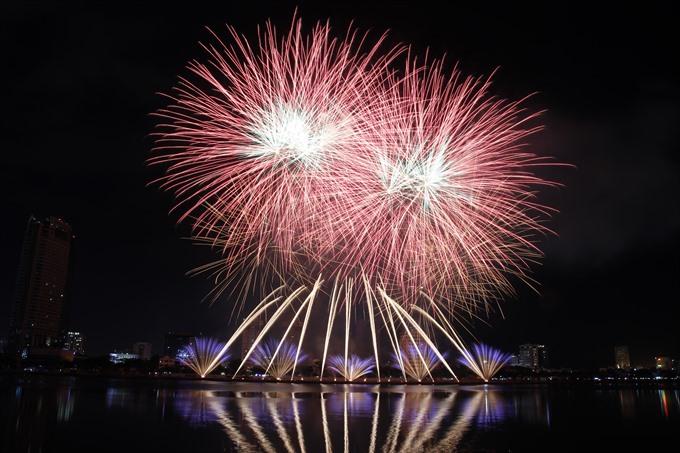 Italy wins Đà Nẵng International Fireworks Festival