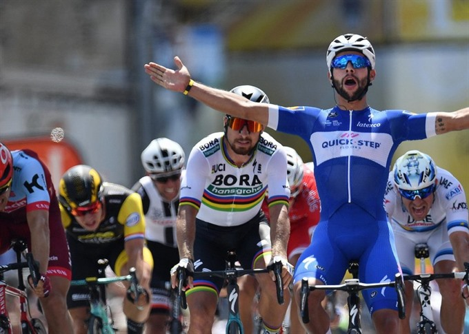 Hot-shot Gaviria wins again as French hope Bardet loses teammate