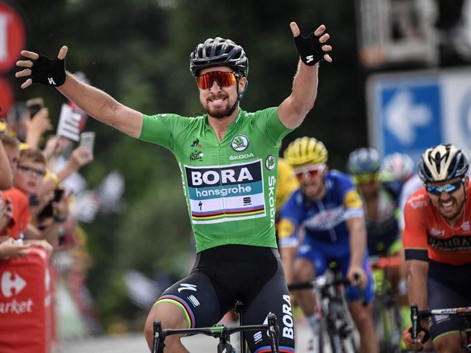 Sensational Sagan clinches another Tour de France stage