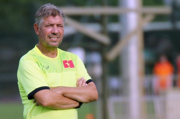 VFF extends contract with German Jurgen Gede