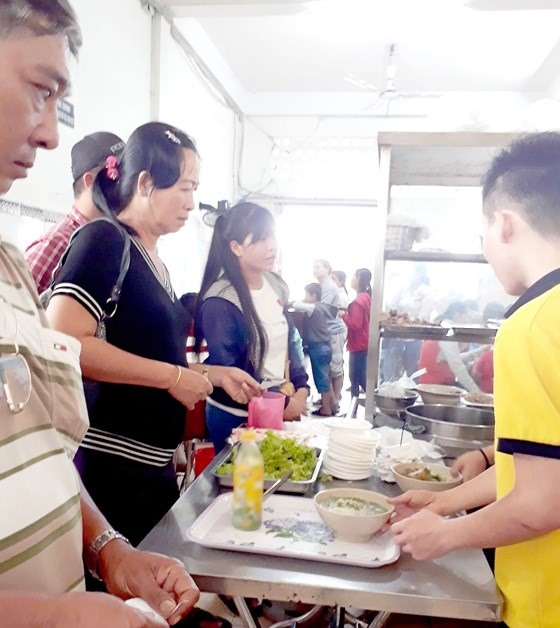 Hospitals need to improve canteen services