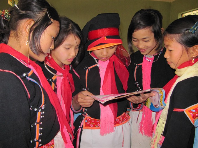 Vừ A Dính Scholarship Fund continues supporting ethnic girls